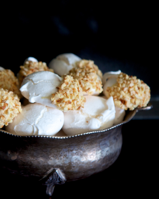 Meringues dipped in almonds